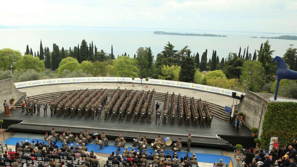 01_battaglione_schierato_durante_cerimonia
